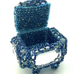 Boîte à Bijoux in Crystal CAL is a delicate beaded box.